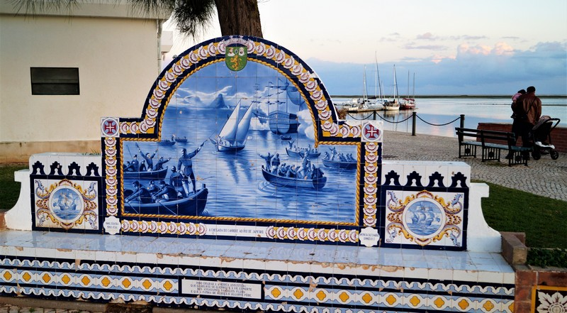 032 Olhao Promenade Colorful bench